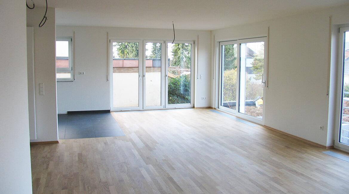 mehrfamilienhaus mit 3 wohnungen und garagen ideal heim wohnbau kollmar gmbh. Black Bedroom Furniture Sets. Home Design Ideas